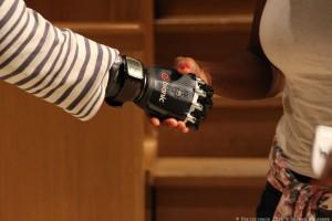 Ma nouvelle main bionique - © Pariscience 2015, Solène Boissaye _03